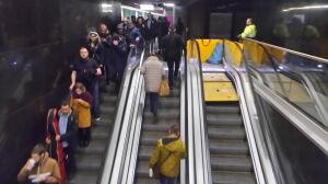Zepsute schody ruchome paraliżują łącznik linii metra