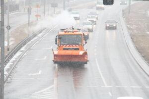 170 solarek walczyło ze śniegiem na ulicach