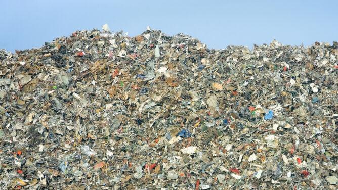 Szwecja jest tak ekologiczna, że musi importować śmieci