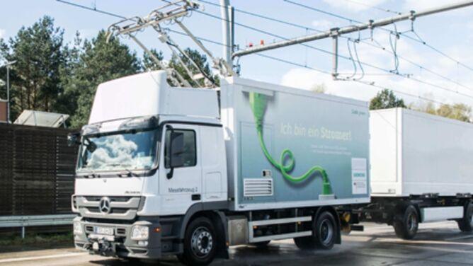 W Niemczech otwarto pierwszą elektryczną autostradę dla ciężarówek